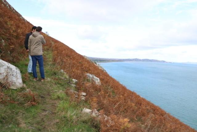 ブレーの崖・急斜面を登る