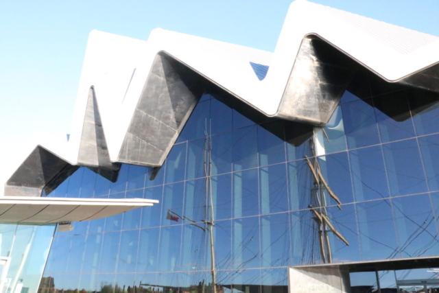 ザハ・ハディドの建築 グラスゴー・リバーサイド美術館